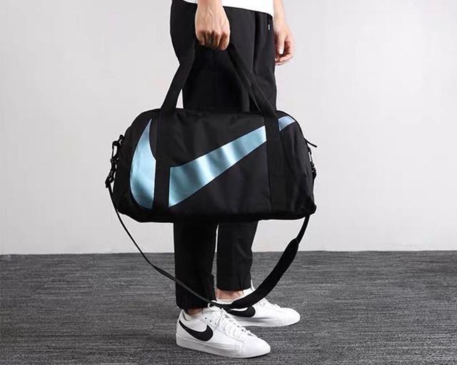 Nike耐克男女运动包镭射大勾手提健身包袋斜跨单肩拎包顶级专柜五金