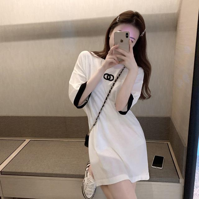 輕熟風刺繡冰絲寬鬆連衣裙