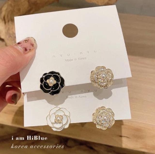 #H196 - 韓國925銀針高級感小香風山茶花耳環 #lup預購 批價:39 規格:黑色、白色