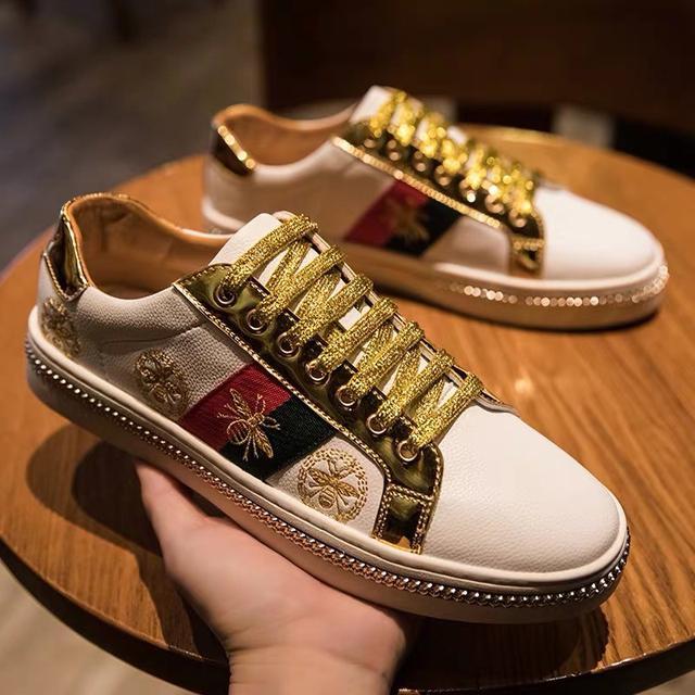 欧洲站男鞋潮牌百搭蜜蜂小白鞋红色金色网红美杜莎帆布鞋