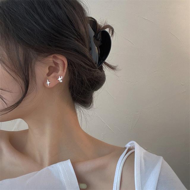 不對稱四芒星輕奢IG風s925純銀耳釘女氣質韓國小眾潮流時尚飾品