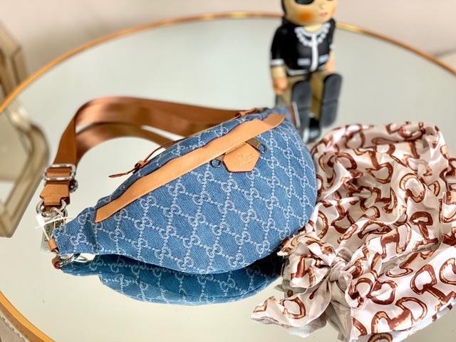 送絲巾 配禮盒 Gucci 新款牛仔中古胸包 腰包