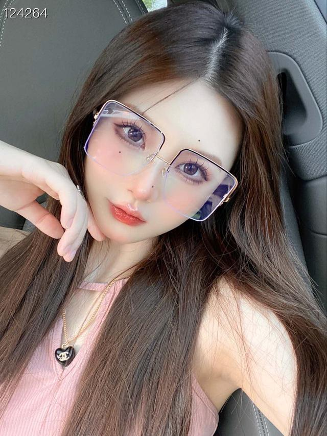 【FENDI】芬迪眼鏡 FF0422  ✨✨  !size:57口17-135 #墨鏡