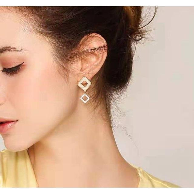 🌟現貨🌟不對稱鏤空幾何菱形耳環