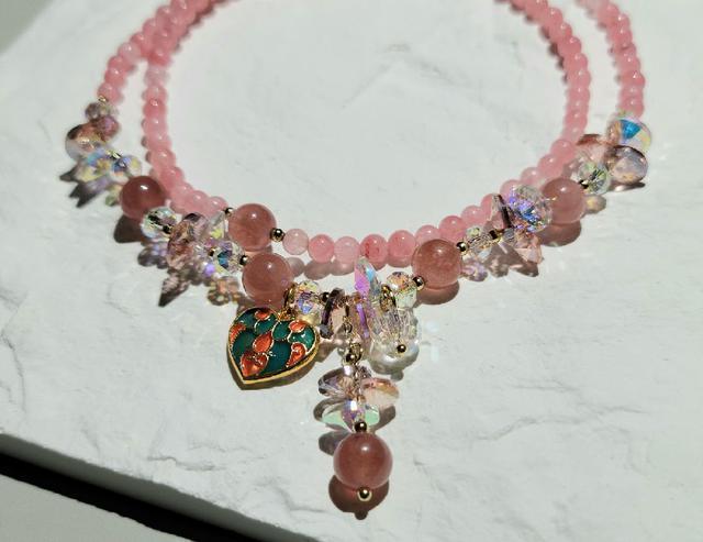 -晶妍 手作飾品- 草莓晶+粉晶+奧地利水晶  三圈手環