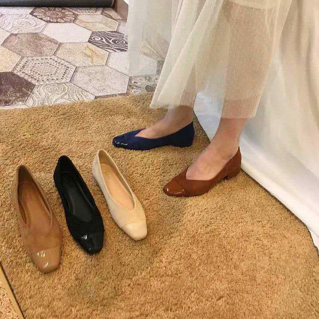 2020新款女鞋四季新品小香風絨面拼接漆皮超軟大碼42平底單鞋