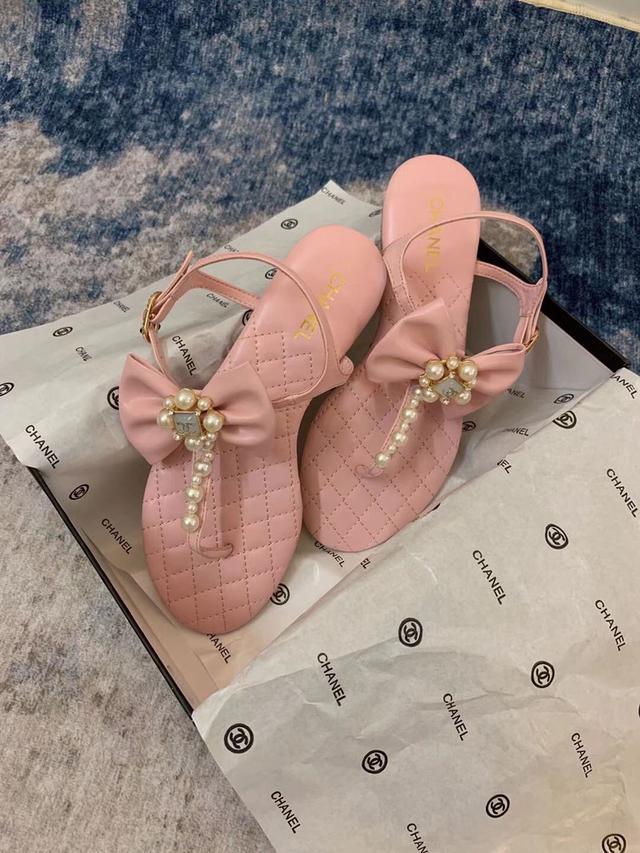 香奈儿春夏新款双C凉鞋