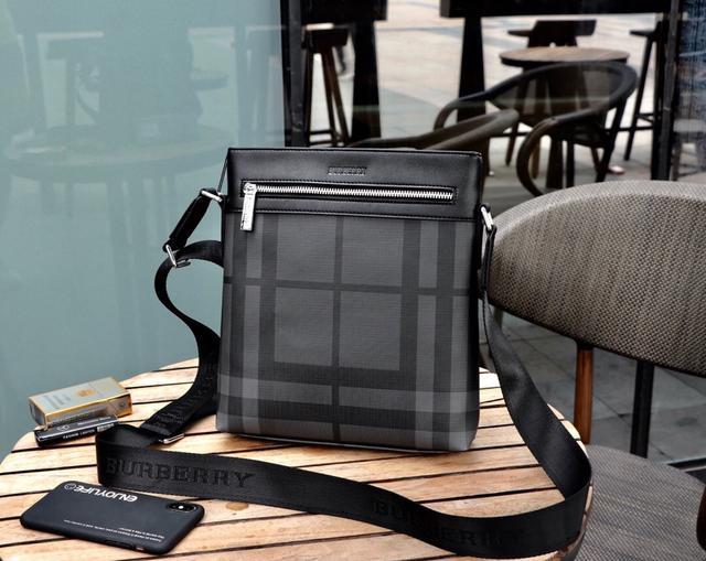 巴宝莉 (型号2014-3黑色)BURBERRY独家新款‼  斜挎包