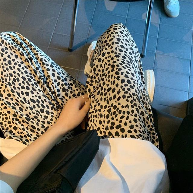 春夏印花字母T+豹紋褲子