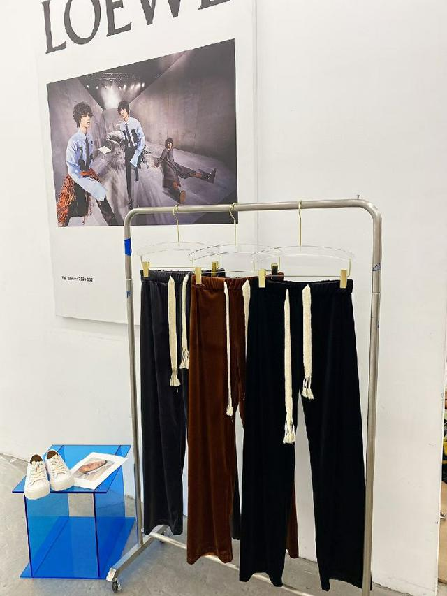 麻繩遛彎絲絨褲