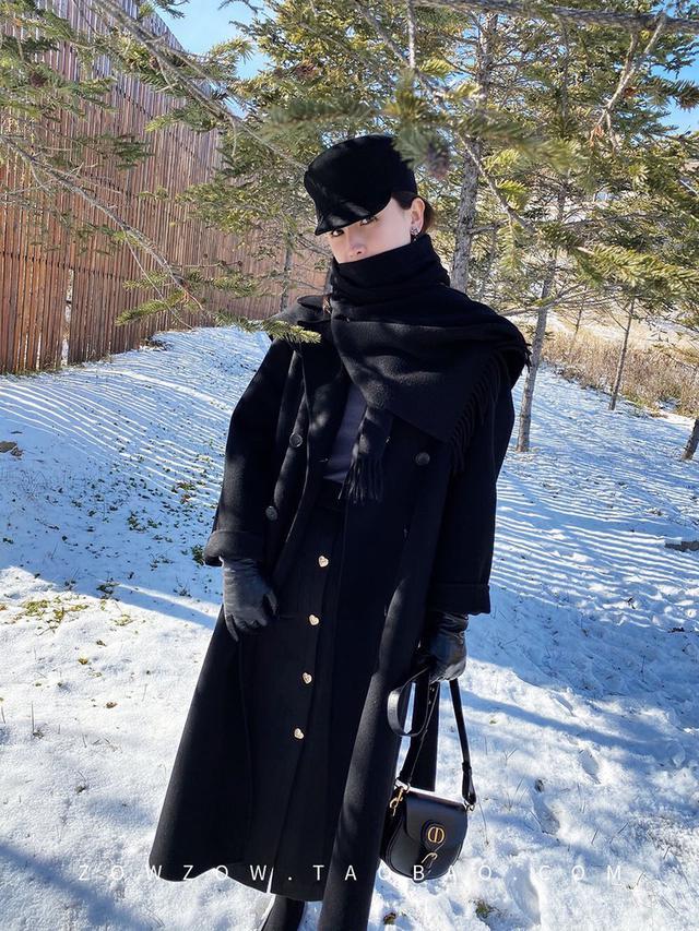 下单备注:9079#女神呛口小辣椒同款斗篷可拆双面羊绒大衣 尺码:S M 颜色:黑色/红色