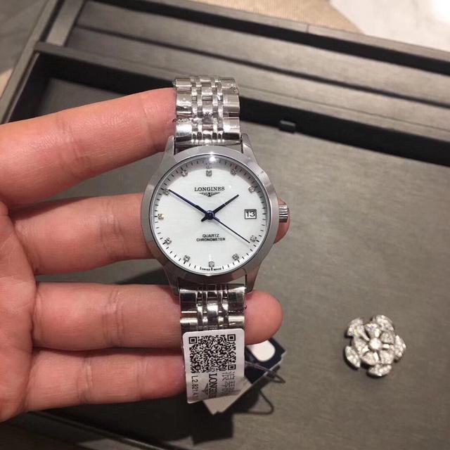 浪琴✨爆款 開創者系列,❤️大氣的表殼設計,鑽石💎搭配珍珠貝殼錶盤,精鋼錶帶