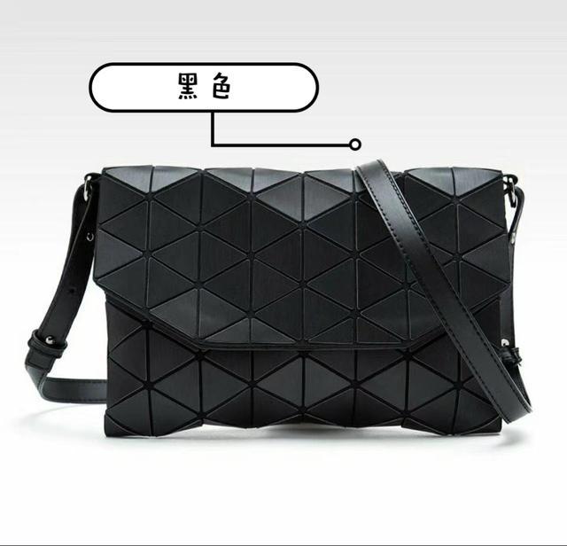 🇰🇷韓國 人氣熱賣 三宅一生款 手拿包包