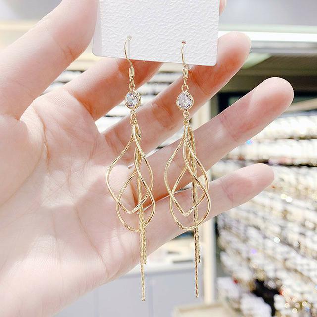 韓國氣質長款螺旋流蘇耳環2021新款潮簡約金屬感個性時尚耳鉤耳飾