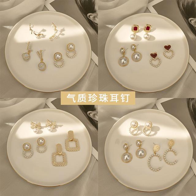 預購 高级感氣質珍珠耳钉S925銀针(平)