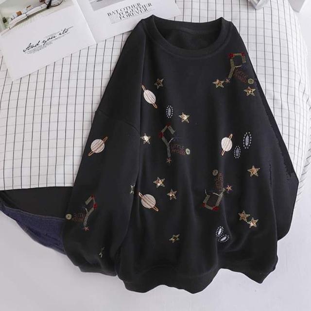 【預購】星球刺繡上衣