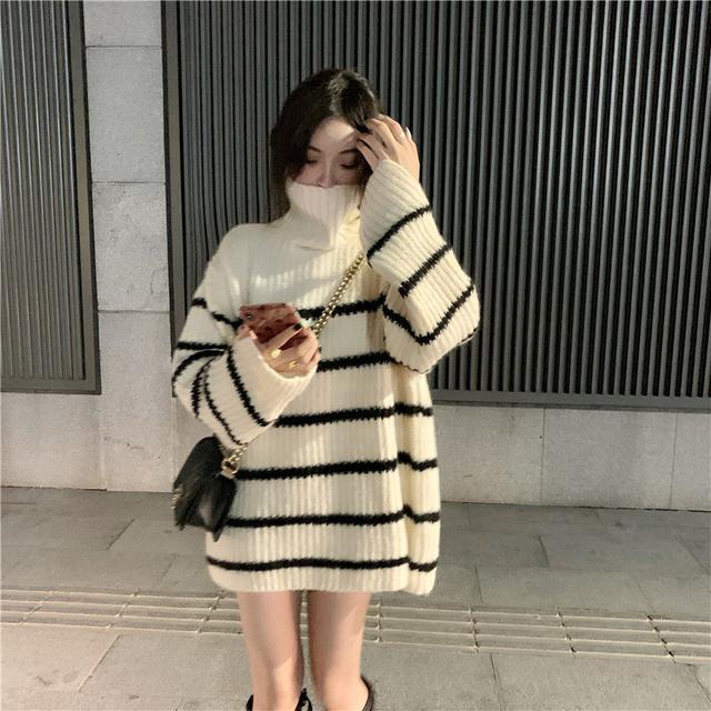 A)12/4 條紋高領毛衣