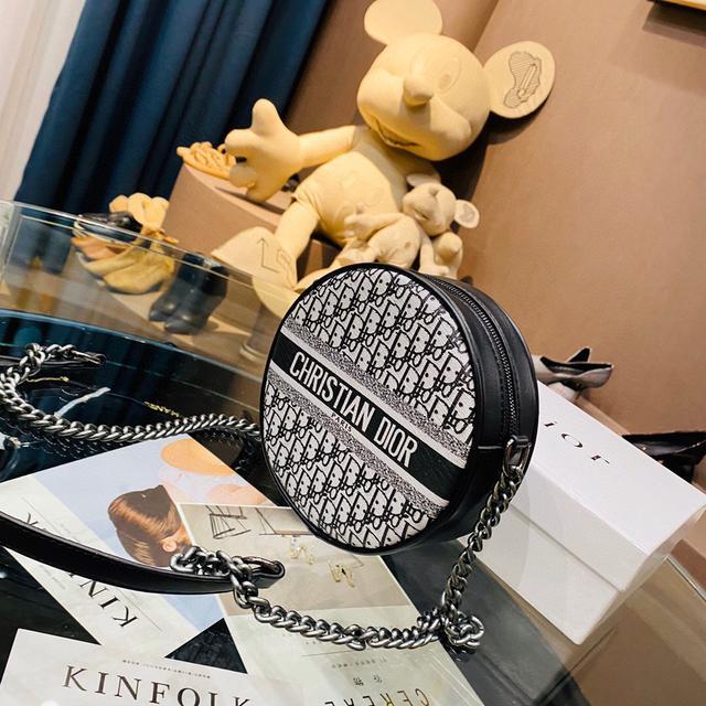 巨實用巨好看的Dior迪奧圓餅包大愛的迪奧老花帆布鏈條圓餅包 超精緻又能裝