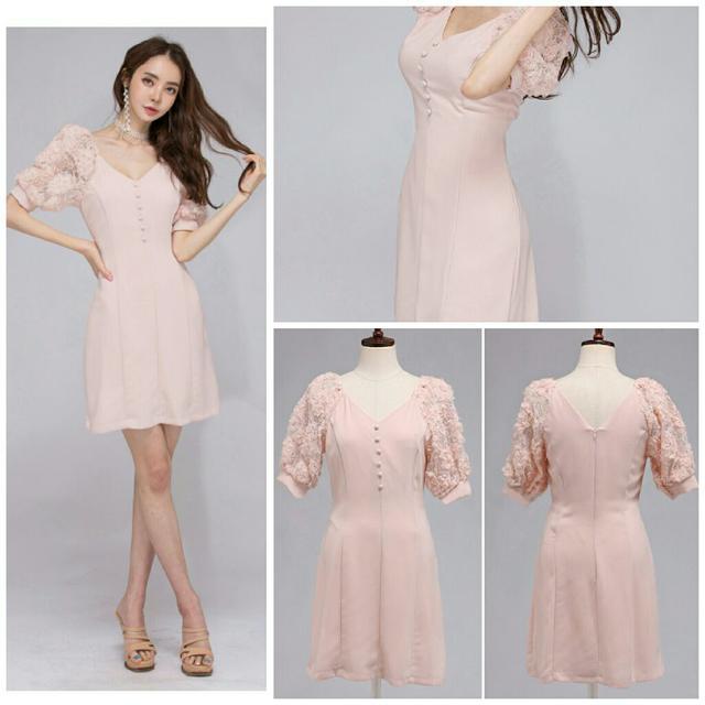 預購時尚花朵蕾絲袖連衣裙