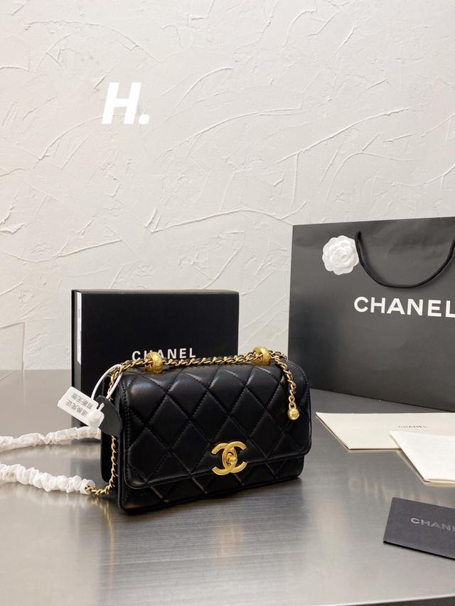 Chanel香奈兒2021早秋新款雙小金球woc斜跨包链条包