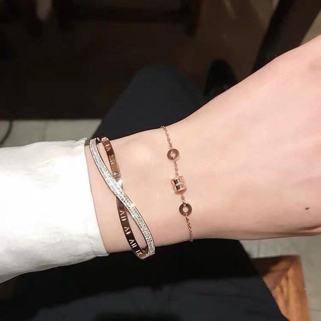 (預購e) 滿鑽羅馬數字交叉鈦鋼手環
