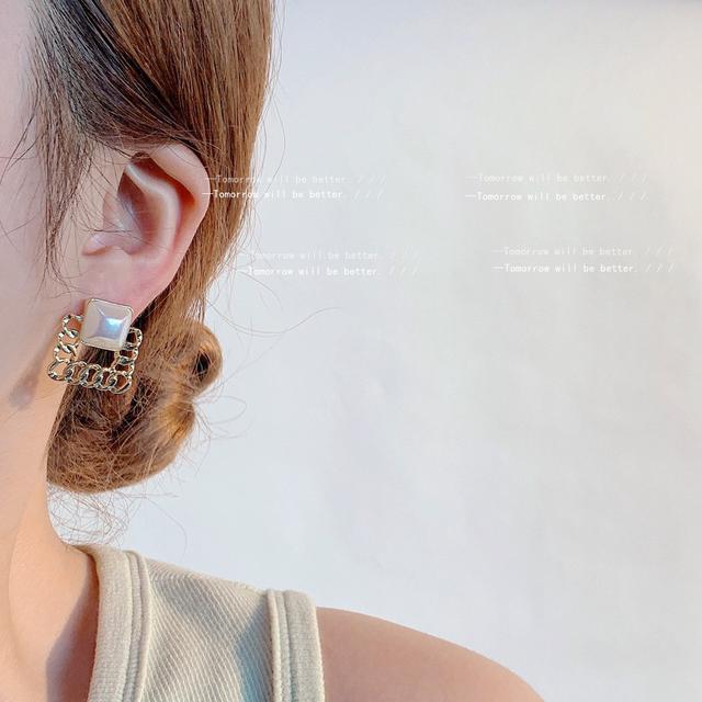 小香風高級感@925銀針鍍14K方形鏤空珍珠耳釘日韓IG名媛耳飾耳環