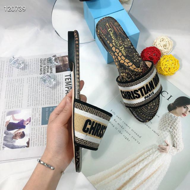 D家(dior)/迪奧刺繡拖鞋