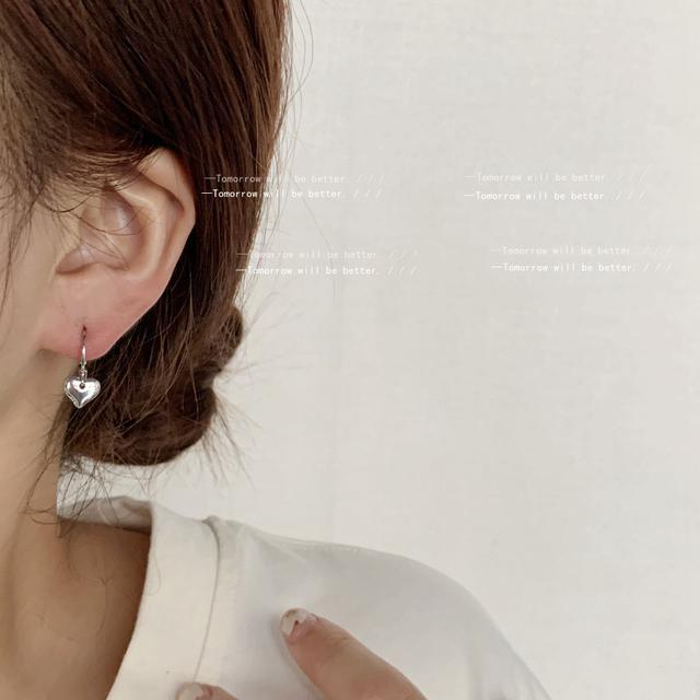 不對稱設計感鏤空愛心日韓ins甜美迷你款小巧耳環 簡約銅材質耳飾