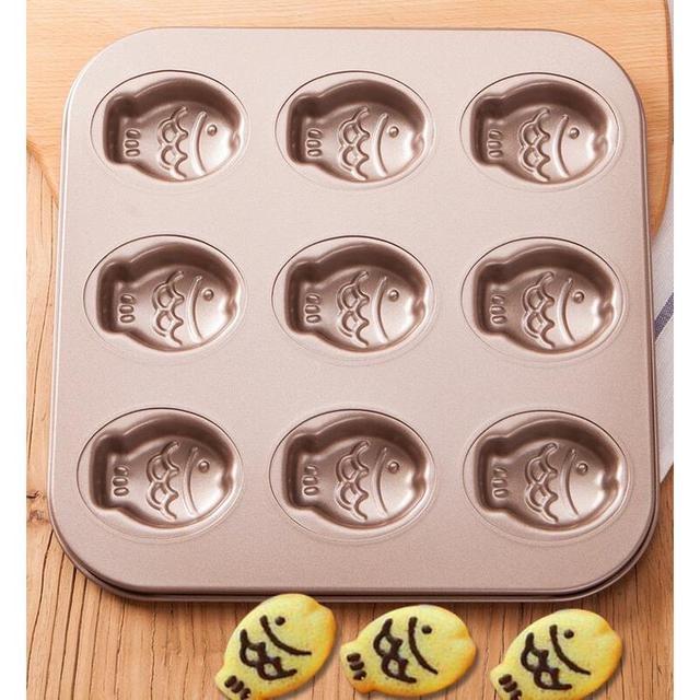 小魚蛋糕模  金色9連烤盤 卡通蛋糕模 不粘碳钢蛋糕模具 烤箱專用 呆萌魚