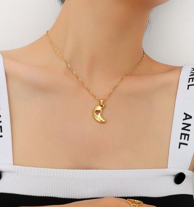 歐美IG風月亮鏤空愛心吊墜項鍊鈦鋼鍍18金鋯石點綴項鍊吊墜飾品