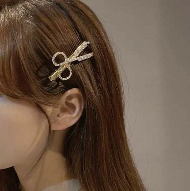 (預購S) H165 - 韓國東大門剪刀羽毛珍珠一字夾6支套組