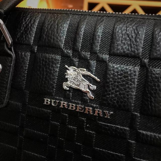 博柏利Burberry  英国奢侈品男公文包