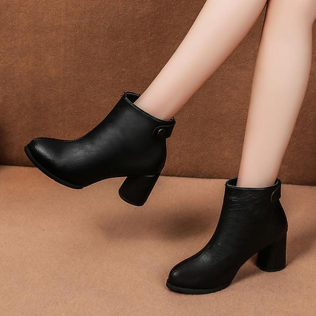 時尚百搭粗跟短靴
