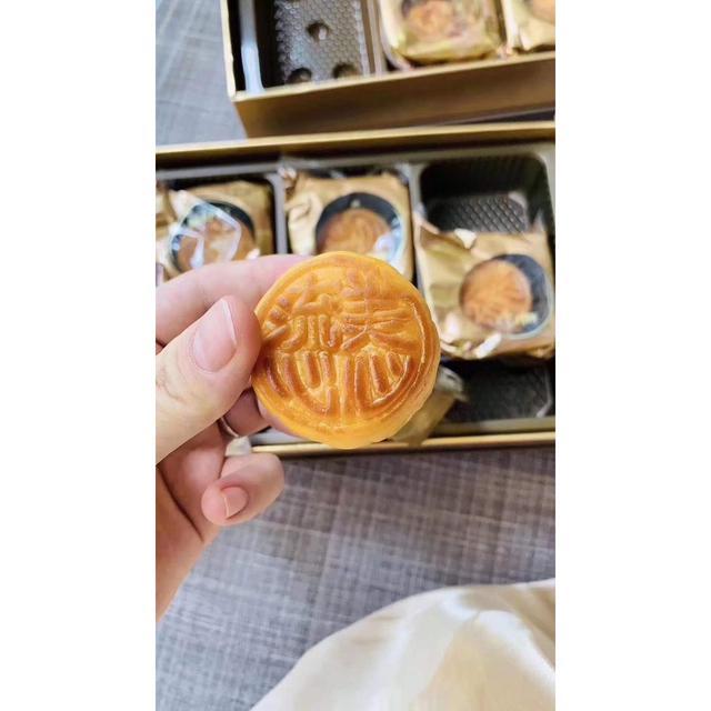 香港正品 美心月餅 美心流心 流心奶黃月餅 美心流心奶黃月餅8入/盒禮盒港式特產中秋糕點流沙月