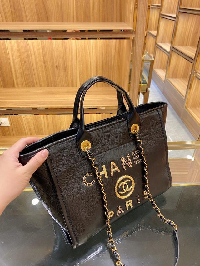 原版皮 香奈兒Chanel徽章沙灘包 年度最美超仙的徽章沙灘包