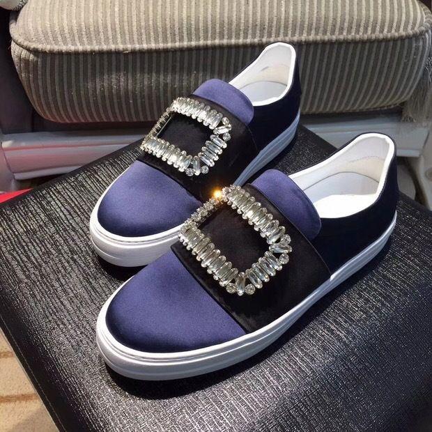 超級熱賣款🔥宋佳同款水鑽方扣平底厚底 小白鞋