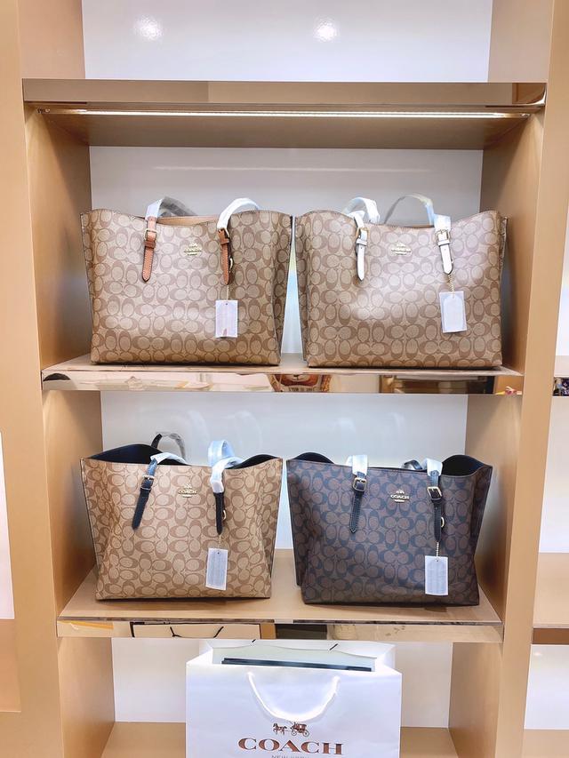 購物袋✨【📷CoachI實拍】限量新款 潮人必備蔻馳購物袋 專櫃最巨代表作