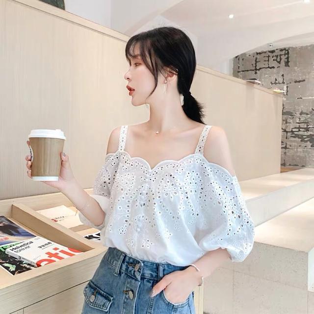 2019夏季韩版很仙上衣洋气设计感女小众蕾丝镂空一字领雪纺衫衬衣