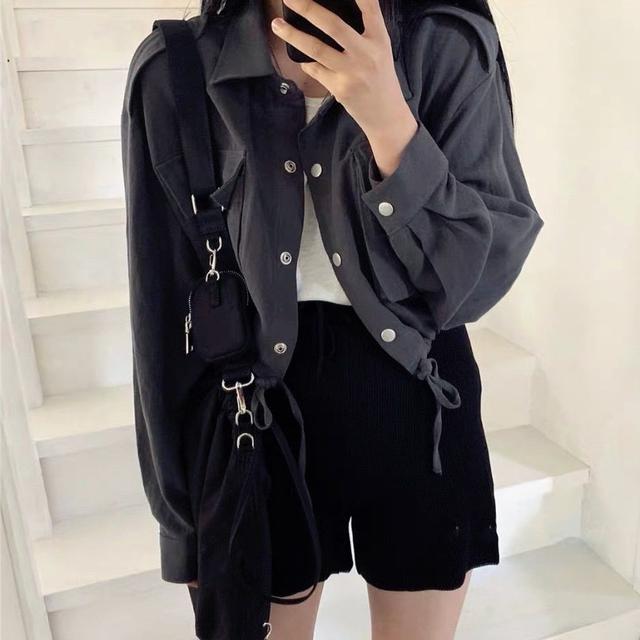 【零售&批發】「韓版早秋抽繩純色短版工裝外套 」🖤簡約帥氣百搭♠️