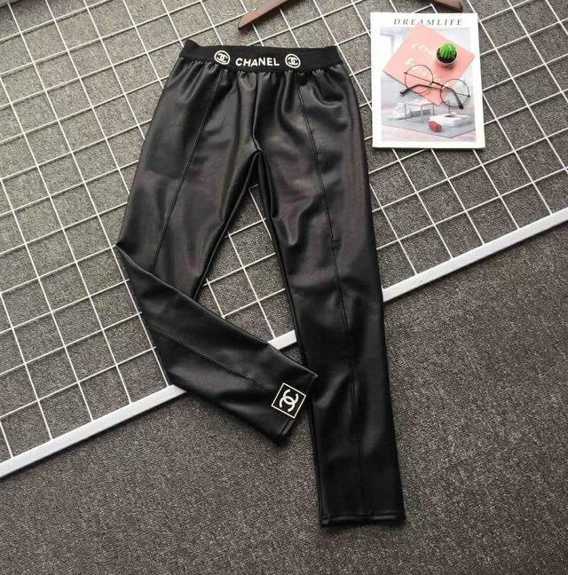 wo0911chanel秋季新品小羊羔皮材質打底褲