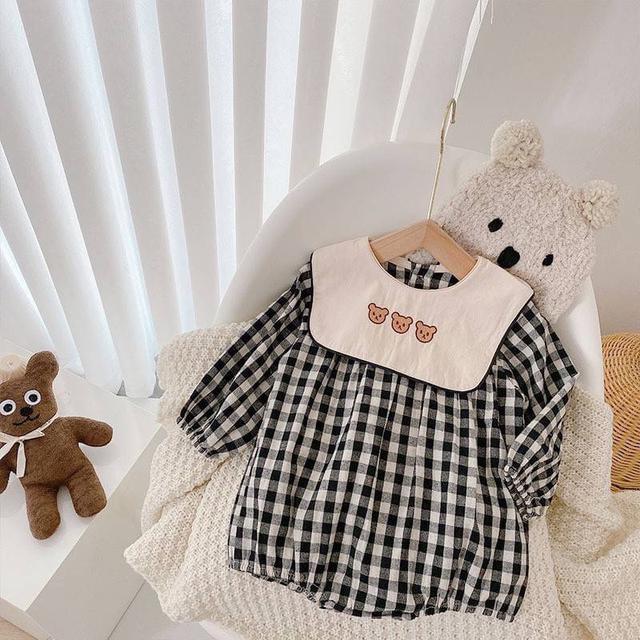 KD106-3 三隻小熊格子包屁衣