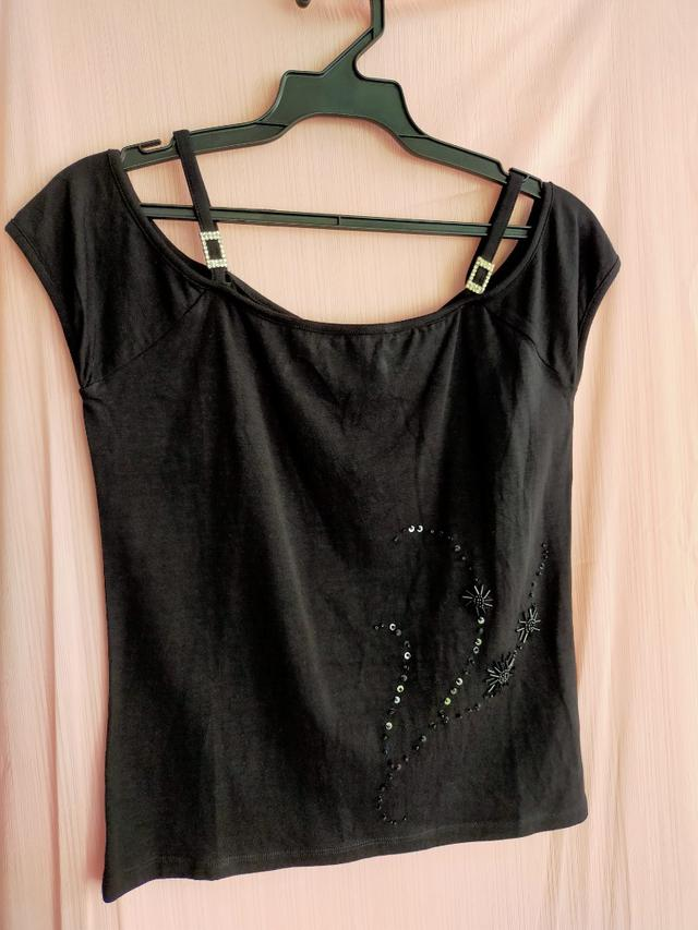 321.特賣 批發 可選碼 選款 服裝 男裝 女裝 童裝 T恤 洋裝 連衣裙