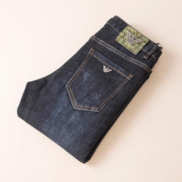 阿瑪尼 新品最新潮款牛仔褲、專櫃官網同步發售