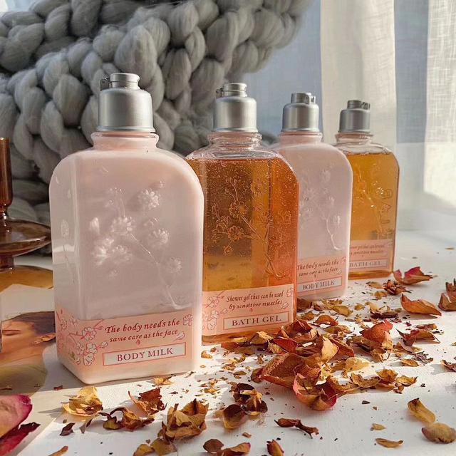 法國🇫🇷茲拉爾櫻花🌸身體乳+沐浴露完美組合