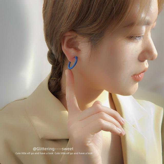 新潮S925銀針烤漆藍色小耳圈女韓版韓國時尚圓圈耳環