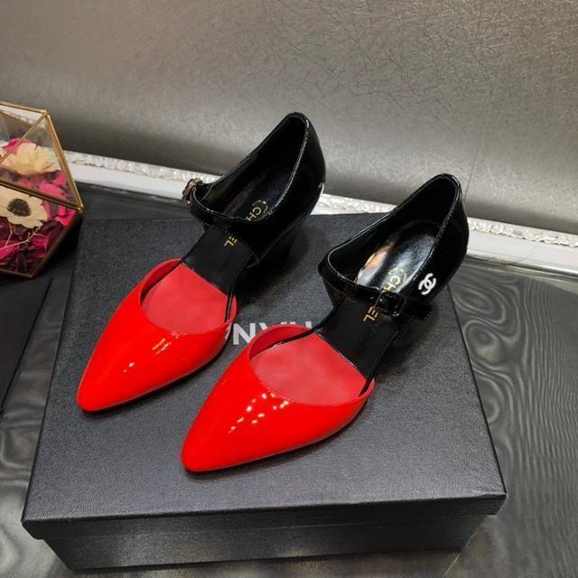 1:1品質 Chanel香奈儿2020早春秀款高跟撞色漆皮尖头淑女鞋