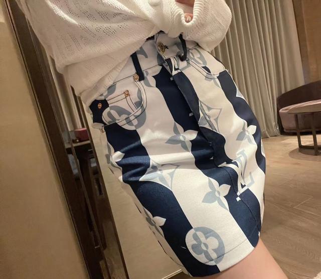 Lv新款印花牛仔半裙