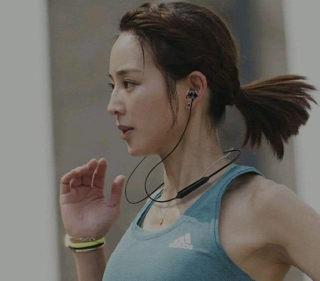 (預購S)電鍍色磁吸斜入耳式運動藍