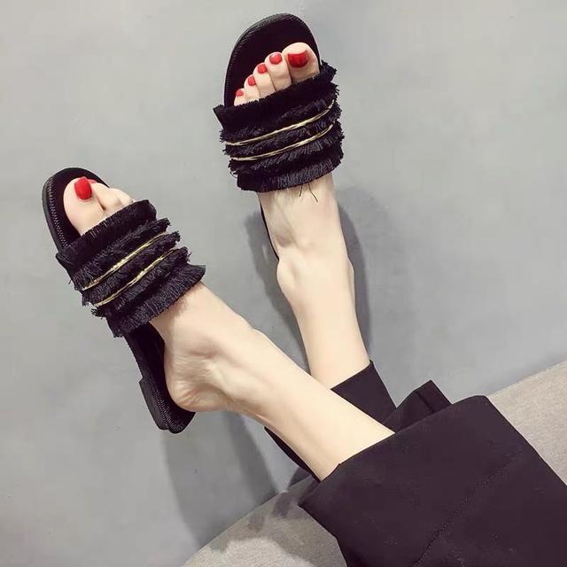 (預購)網红拖鞋女夏外穿2020新款毛毛百搭平底女士一字拖時尚仙女凉拖鞋