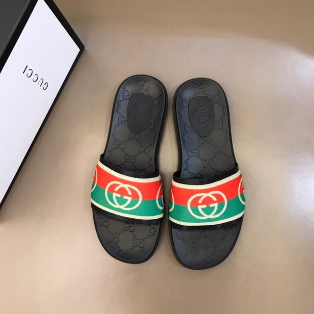 Gucci牛皮拖鞋